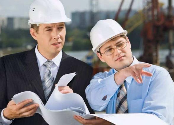 二级建造师的月收入与哪些因素有关